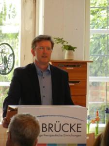 """BRÜCKE-Geschäftsführer Frank Nüsse begrüßte die Gäste im """"Speicher"""" Engelsgrube"""