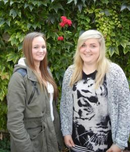 Hauswirtschafts-Auszubildende Laura Rennhack und Vanessa Sack