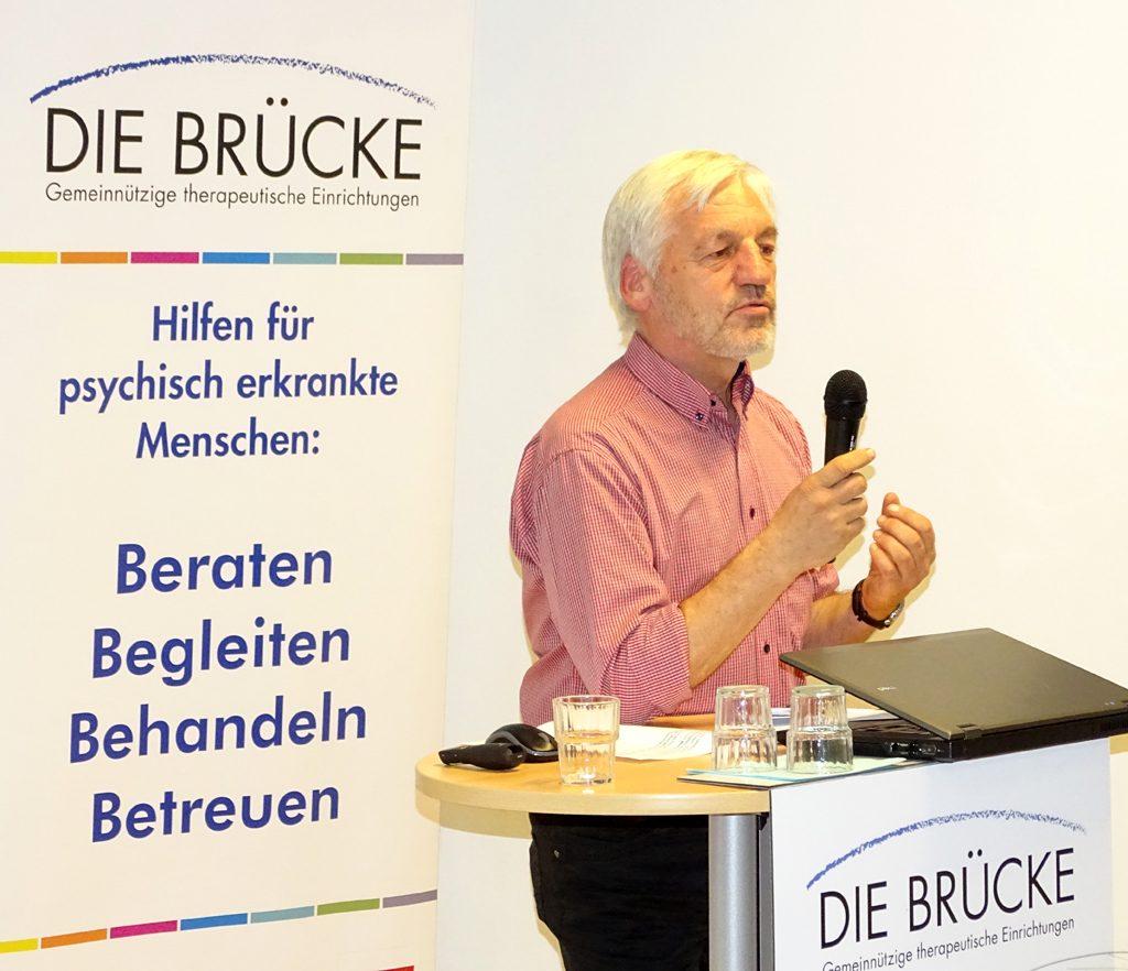 Dr. Dietmar Steege leitet bei der BRÜCKE den Bereich Behandlung und Reha
