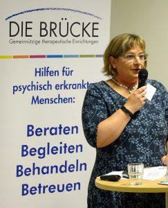 Dr. Antja Burfeind (Leiterin der BRÜCKE-Tagesklinik) zieht erste Bilanz zum Angebot für junge Erwachsene