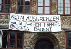 Ein Motto über dem Eingang zum Tageszentrum in der Lübecker Innenstadt