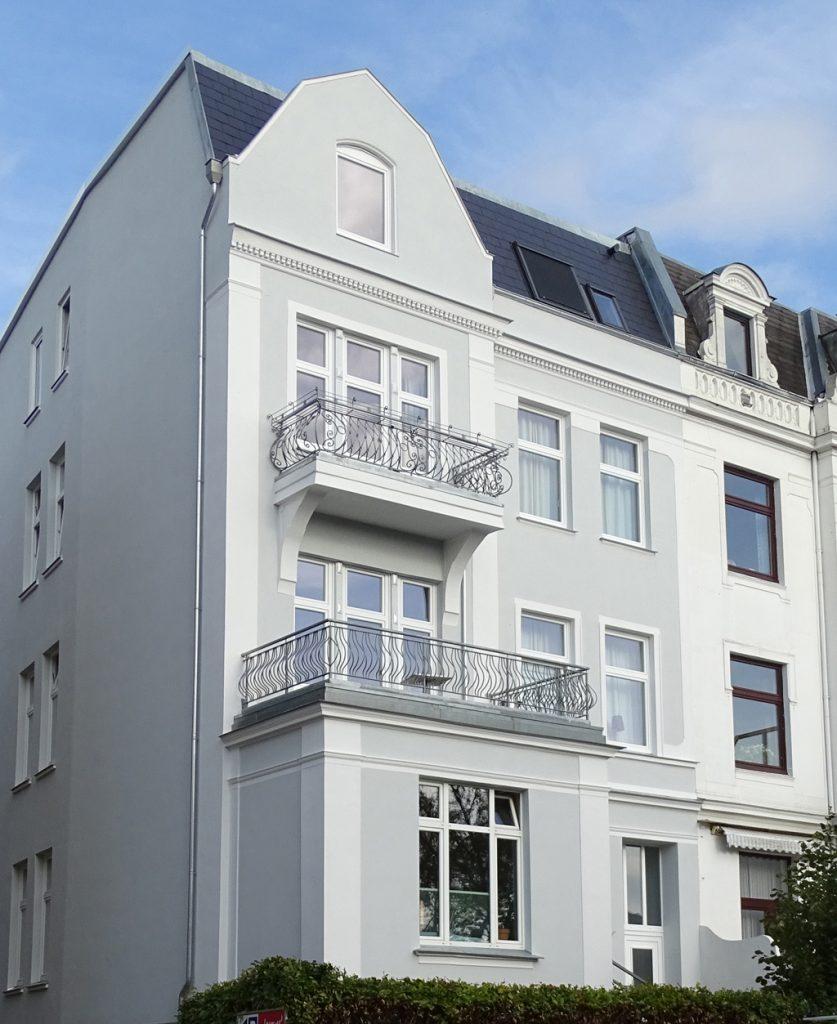 """Erstrahlt im neuen Glanz: das Haus der Wohngruppe Marlistraße"""" der BRÜCKE"""